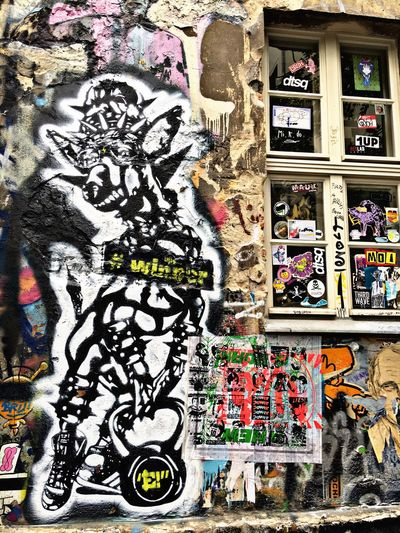 Hello World Check This Out Hackescher Markt Summer 2016 Colorphotography Artistic Expression Graffiti Art Eye4photography  Street Photography EyeEmBestPics Building Art Traveling Texan Gal My Holiday 2016 EE Love Connection!
