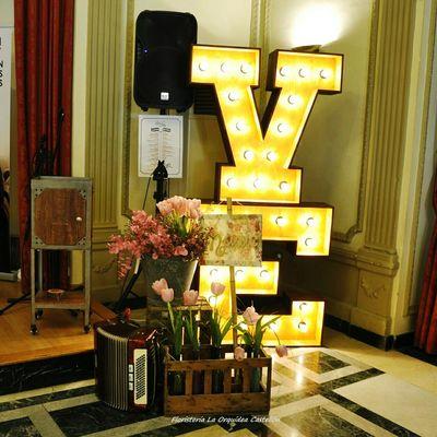 Floristería La Orquídea Love Letras Luminosas Castellón Castellonlove Novias Lovely