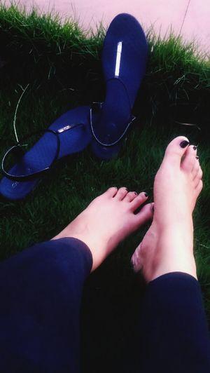 Feetlove Feet On The Ground Feetobsession