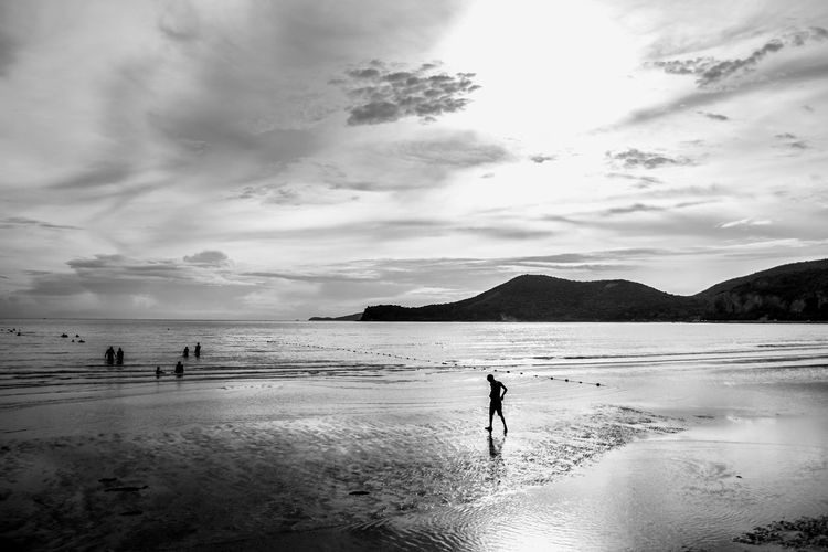 Art of Seascape Alone Time B&W Collection Beach Blackandwhite Clouds And Sky Evening Lanscape_Collection  Mountains And Sky Outdoors People Sand Sea Shades Of Grey Shadows & Lights Shiluette Sunset Traveling