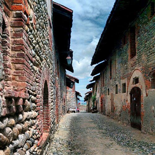 Ricettodicandelo Borghiditalia Borgo Medioevale In Provincia Di Bielka
