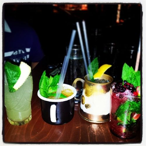 Mosaiko Cocktail Bar Ginger_honey strawberyy mojito fun friends having good time