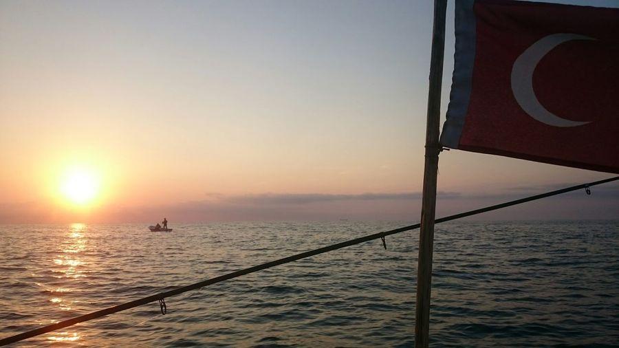 Bizde böyle ;) Balık Avı Istarvit Bayrak Gün Batımı