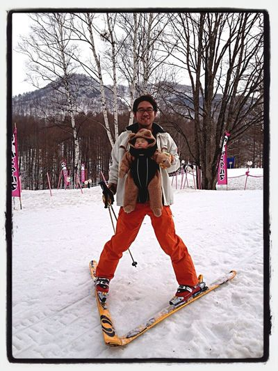 香凜を抱っこ紐で前向き抱っこしてスキーしたら途中で寝ちゃった。