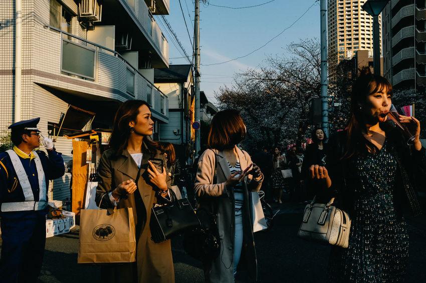Nakameguro, Tokyo, 2017 Everybodystreet Hanami Japan Streetphotography The Street Photographer - 2017 EyeEm Awards Tokyo