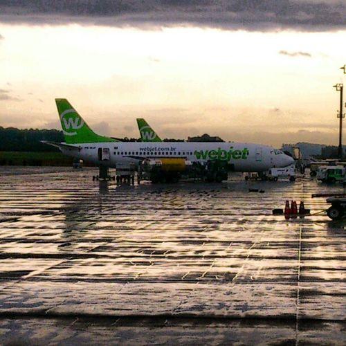 Webjet.... E chuva na gente...RainyDays Airport Gruairport Avião Chuvoso