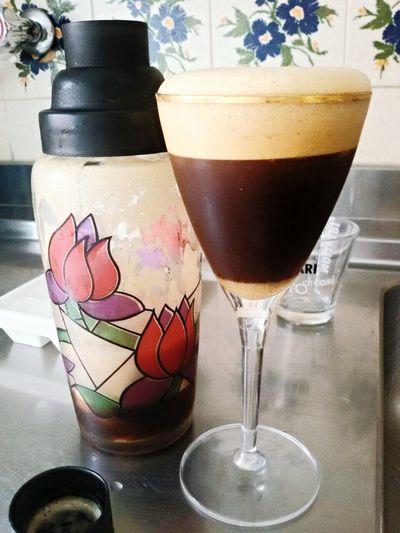La boss del caffè shakerato 💘💘 Coffee Time Shaker Gnammi Goloso Food And Drink Drink Caffè Beverage Coffeebreak Coffee At Home Schiuma Al Top