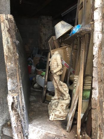 Shed Old Full Store Store Room Headless Statue Bric à Brac Trash Rubbish Architecture Built Structure Occupation Day Working Old Full Store Store Room Headless Statue Bric à Brac Trash Rubbish Architecture Built Structure Occupation Day Working Dirt
