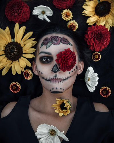 Sugar Skull Skulls Dia De Los Muertos DIA DE MUERTOS Mexico Mexican Skeleton Face Paint Make Up Makeup Portraits Unique Perspectives Girl Calavera  Halloween Autumn Dahlia Sunflower Roses Lifestyles Face Flowers Flat Top Down View Flowers In Hair International Women's Day 2019