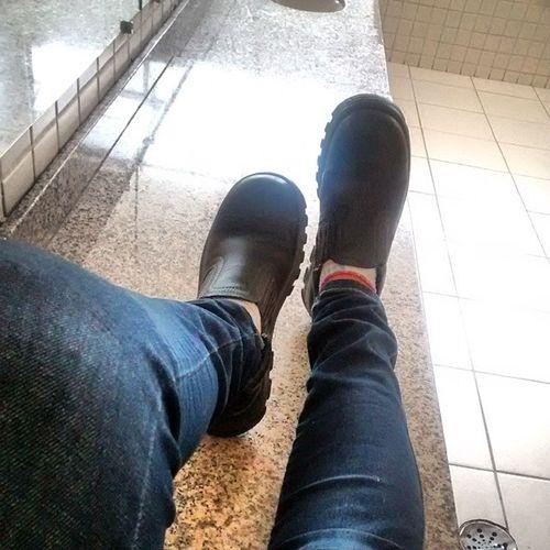 Meu sapato mais confortável kkk Botadeseguran ça Senai Mecanicadeusinagem 3termo