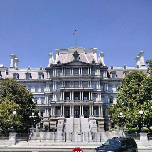 The old executive mansion, originally built for the State, War and Navy Departments between 1871 and 1888, the Eisenhower Executive Office Building now houses a majority of offices for White House staff. Traveling Youbackpacking Veteransday Washington USA .