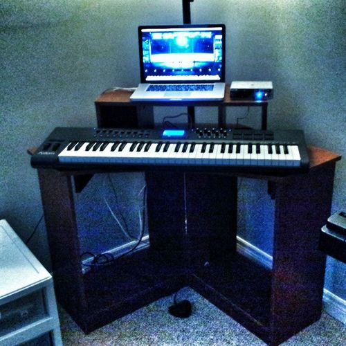 My new set up! Found this desk on the side of the road... it called to me! Lol MacBookPro Axiom61 Abletonelive Myownstudio