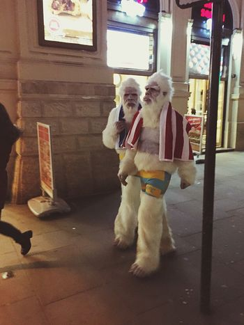 Q Quarrel Got The Hump Walking Around Men In Suits London Friends_forever Red Blue Team Planet Of The Apes Fancy Dress Apes Furry Friends Stag Best Friends Up Close Street Photography London Lifestyle Enjoy The New Normal