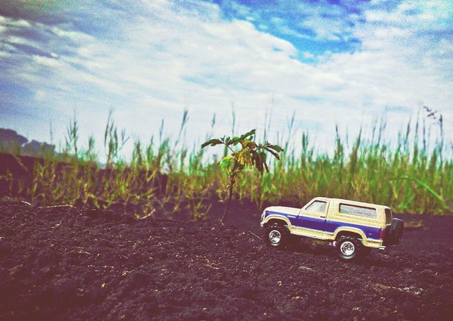 Cross the limit Ford DiecastIndonesia Diecastphotography HotWheels Car Bronco Old