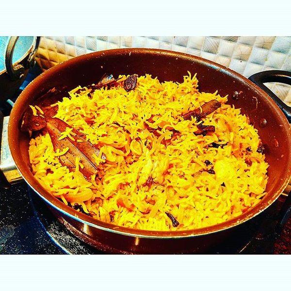 Ghar ki Biryani! :') x Chicken Biryani Mughal Hyderabadi Muradabadi Foodporn Homemade Indianfood Sumptuous DelhiGram Indiagram Sodelhi Instafoodie