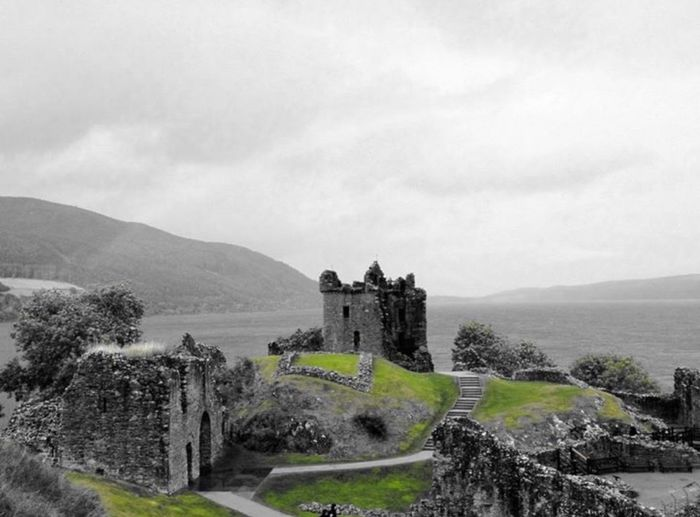 Seeing The Sights UrquhartCastle