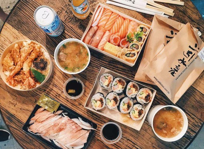 Sushi Sushi Time Hangoutwithfriends Bruch Sunday Brunch Friends