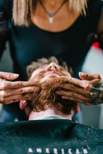 Barber Shop Barber Shop Barbershop Hands Lifestyle Styling Young Barber Beard Bearded Beauty Spa Close-up Hair Care Hair Salon Hairdresser Hairdressing Hairdressing Salon Human Hand Lifestyles Men Mensfashion Menstyle People Real People Red Beard Urban