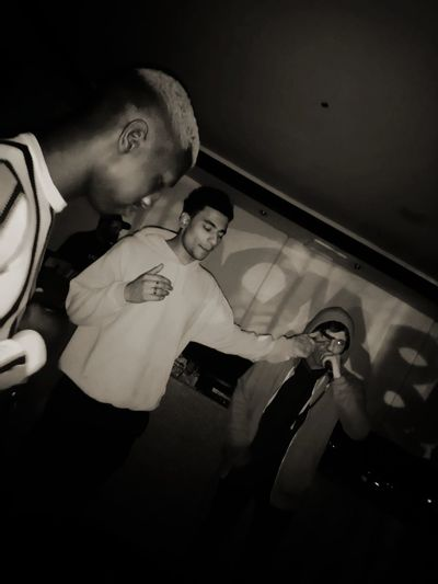 Reeds Bar Real Rappers Rap Dj Togetherness Men
