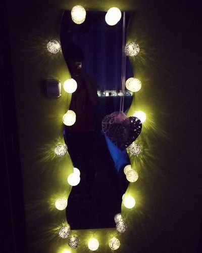 Tak pięknie☺ Dzisiejsze Zdobycze Biedronka Monday Shopping Zakupy Kulki Cotton Balls Cottonballs Światło Light Nastroj Home Homesweethome Beautiful Time Zima Winter Night Wieczor Room Pokój Dekoracja Decorrations polandpolishgirllikeforlikel4lf4f