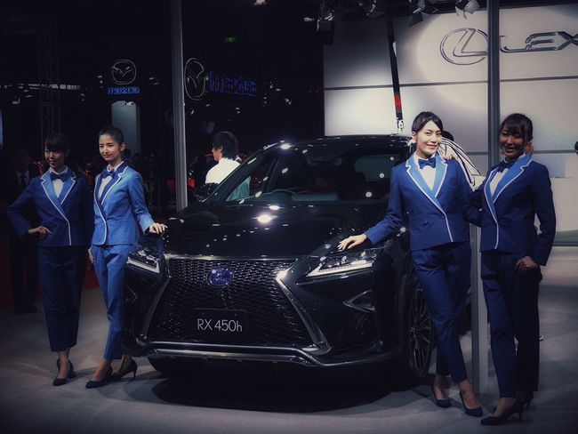 Lexsus Beauty Group Photo phototime : Fukuoka Motor Show beautiful girl with Lexsus. December 21 マリンメッセ福岡 V-LUX1 70mm Testcases