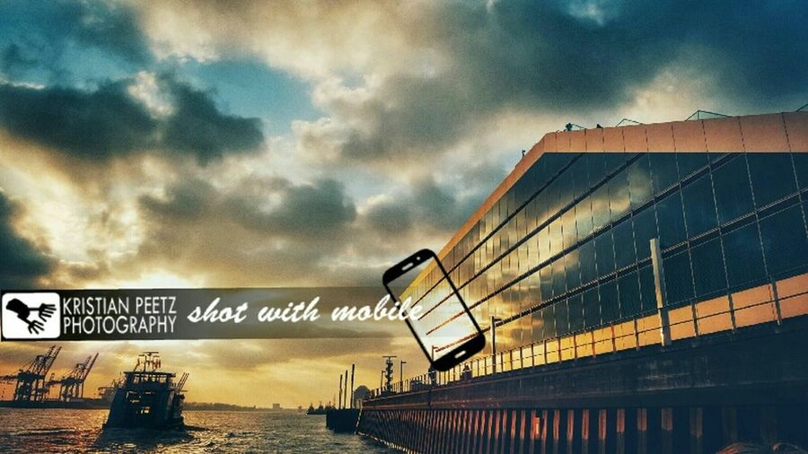 Nothing better than a stunning sunset at the port of Hamburg 🌞📷👍8ung Hamburg Hamburg Eyem Hamburg EyeEm Best Shots EyeEm Best Edits Sunset EyeEm Best Shots - Architecture