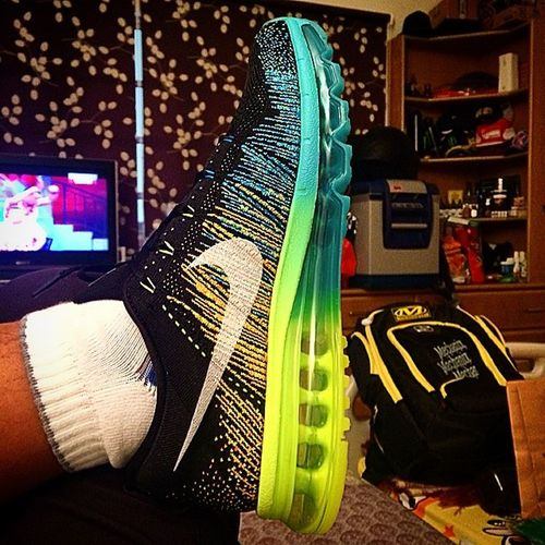 Nikeflyknitairmax (new color scheme) new motivation. Gonna hit to the gym soon as per advised by my physiotherapist..... recovering from Acl reconstruction, Meniscus and Cartilage repair