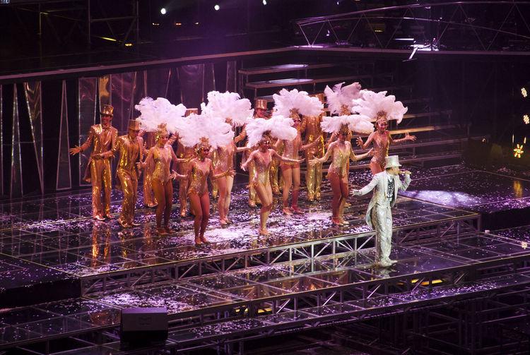 Concert DANCE ♥ Dancer Entertainment Hong Kong Leisure Activity Male Singer Night Pink Color Singer