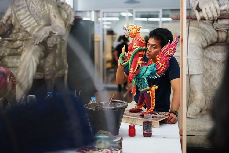 Real People Two People Indoors  Young Women Men Young Adult Day Smiling Adult People Craft Thai Thailand Thai Craft Art Asian Culture Asian  Culture Puppet