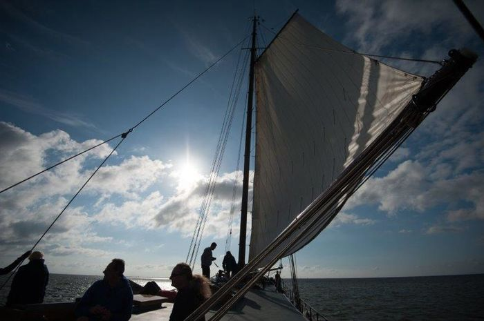 Sea Sky Cloud - Sky Sailing Sailing Ship Boat Deck Water Niederlande Wasser Sunset Summer Sun Holland Wind Ijsselmeer Windy Segeln Meer Boat Segel Zweimaster Sunshine Outdoors Nature