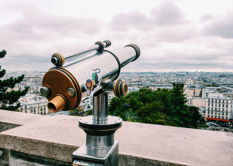 City City Life Cityscape Cityscapes Close-up Coin Operated Day Digital Camera Enjoying The View Focus On Foreground France Guidance Leisure Activity Montmartre Old-fashioned Outdoors Paris Paris ❤ Photographing Photography Themes Technology Tourism Travel Traveling View