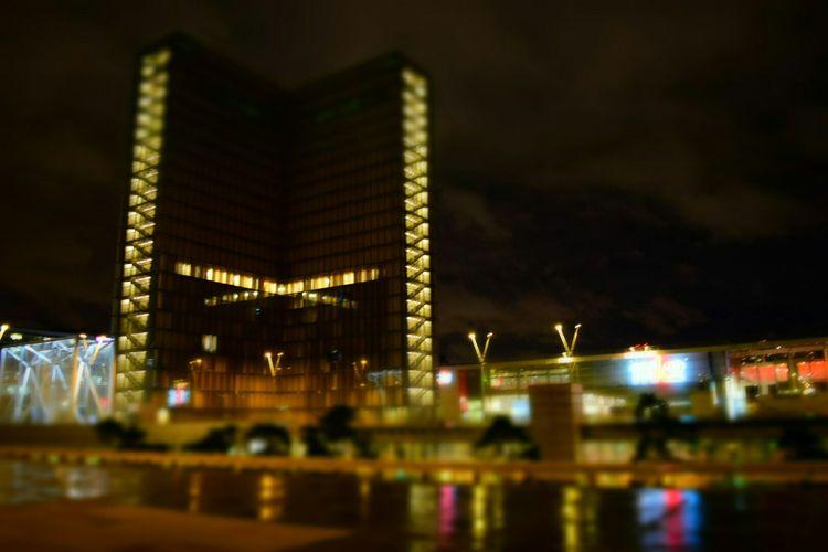 Jan 2015 Architecture Architecturelovers Bibliothequefrançoismiterrand Paris ParisByNight France