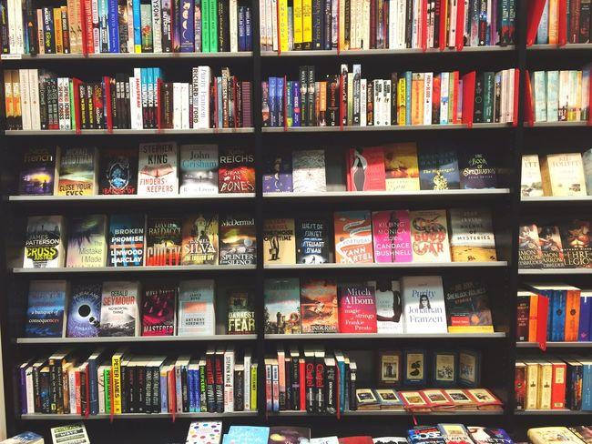 ... Thousends of Books... Book Books Booking A Room Book Bookland Bookstore Bookshop Colours Colourfull Colors Shelf Bookshelfs Store Shelfs Reading Reading & Relaxing