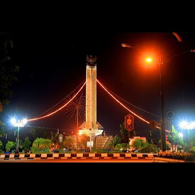 Bundaran pancasila kota kelahiran Pangkalanbun Be_kobar Instagram Instamood insta_legends instagalery instaart instagood insta_land igers instanesia ig_bestshots instamania indonesia_photography instanature instanusantara ig_indonesia_ canon paintingphotography photooftheday