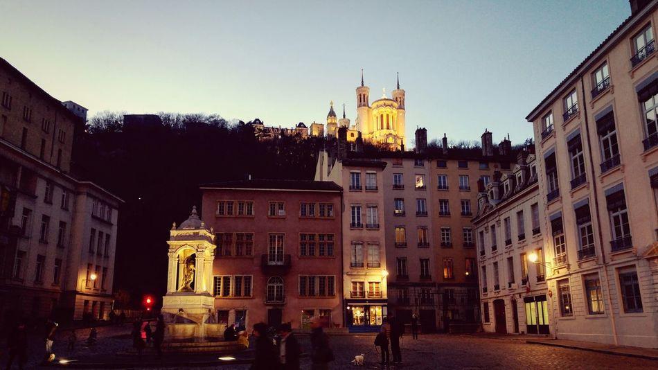 Balade dans le vieux Lyon France Lyon Crépuscule City