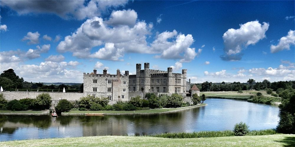 43 Golden Moments Leeds Castle Best Castle In The World Fairytale  Hanging Out Taking Photos Check This Out Hello World Relaxing Enjoying Life Modern Art Amazing Beautiful Magical Today's Hot Look Sky And Clouds