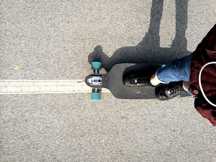 Longboarding Me Shadow Of Me Shadow Sunny Day High Angle View Black Nike Air Force 1 Mint Lifestyles Autumn Fall Outdoors Mercer Longboard Girl Longboard Cruising One Person Day Riding Sport Earphones In Grey