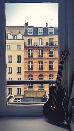 Window Architecture Apartment Building Exterior Built Structure Residential Building Day City No People Outdoors Paris Ukulele Ukulele Lover Ukulele Time Ukulele Session Ukulove! Ukulele Learning Ukulelelove Ukuleles Ukulele Family Ukulelelife Ukulelove
