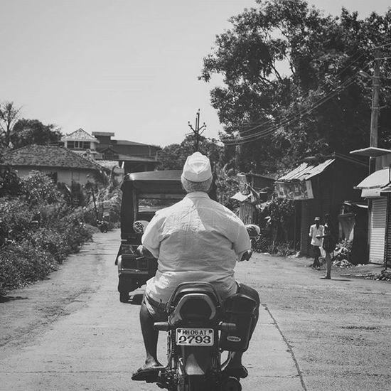 Inspiring Inspiration Bike Oldman Bw_photooftheday Picoftheday Instadaily Amazing Indiapictures Storiesofindia Happiness _soi Insta_mazing Photooftheday D5300 Nikon_photography_ Maharastra India Bw Bw_photooftheday Roadtrip Streetart