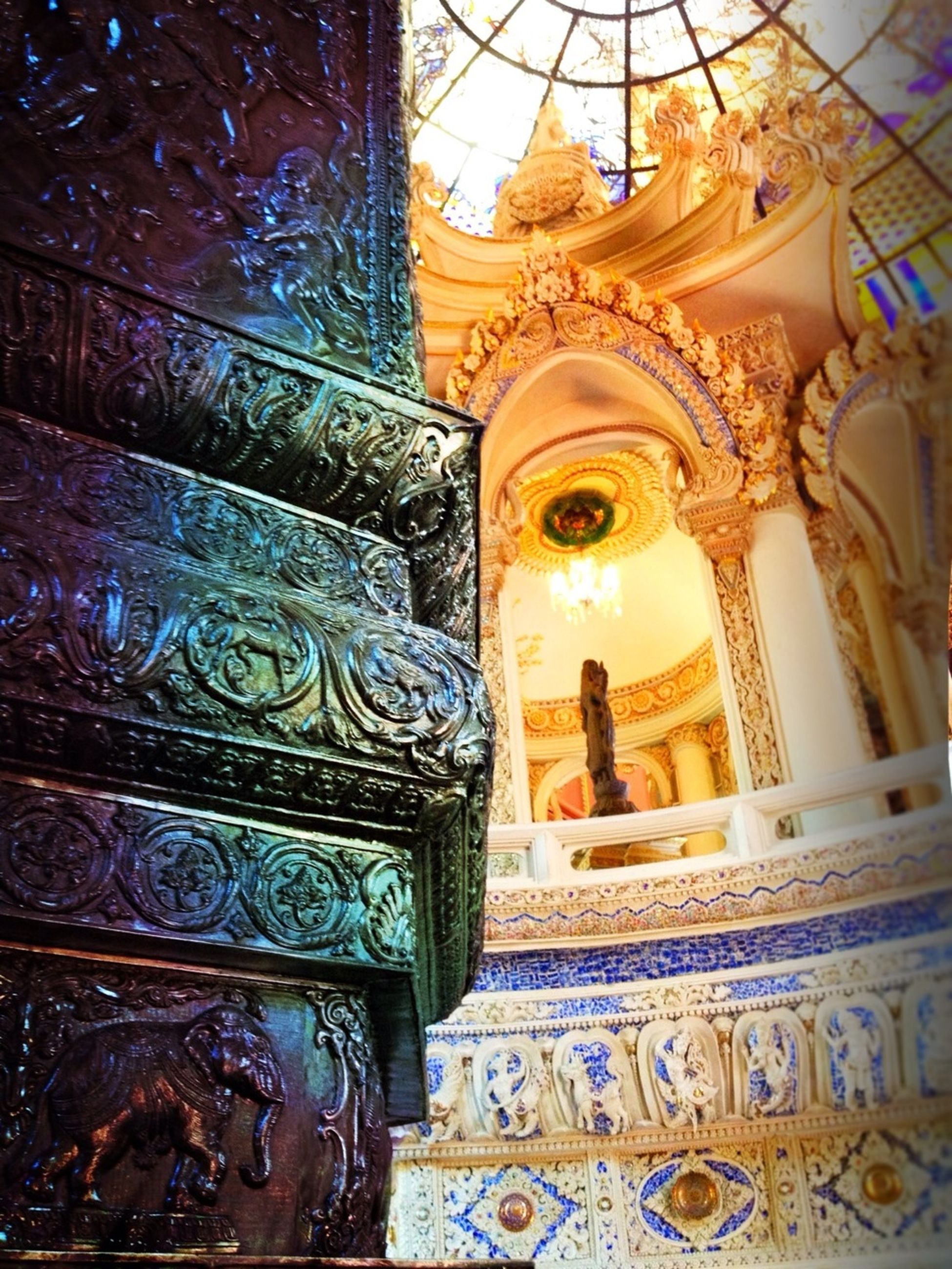 art and craft, art, creativity, human representation, statue, religion, sculpture, carving - craft product, ornate, place of worship, architecture, spirituality, built structure, famous place, gold colored, design, travel destinations, low angle view, building exterior