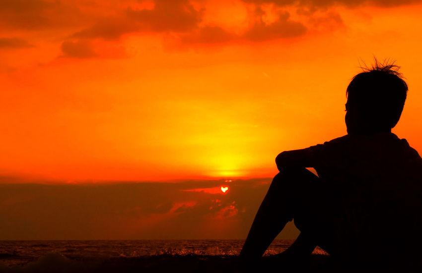 Sunset Boy Sunset_collection Indonesia_photography Colour Of Life Lombok-Indonesia Malephotographerofthemonth EyeEm Lombok Island Sunset Silhouettes From My Eye Of View Lombok Gallery EyeEm Lombok Photographers