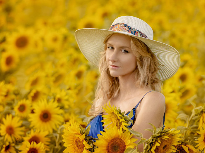 MArtyna Hat Flower Flowering Plant Beauty Clothing Young Adult Beautiful Woman Young Women Women Beauty In Nature One Person EyeEmNewHere EyeEm Best Shots EyeEm Nature Lover EyeEm Selects EyeEm Gallery Portrait Sexygirl Popular Photos Popular Plant Adult Hair Nature Blond Hair Yellow Fashion Sun Hat Hairstyle Outdoors Sunflower