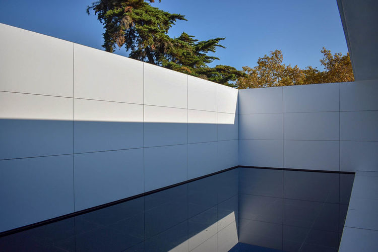 The Barcelona Pavilion Architecture Architecture_collection Autumn Barcelona Barcelona, Spain City Light Mies Van Der Rohe The Architect - 2018 EyeEm Awards Architectural Detail Architecturelovers Design Light And Shadow Pavilion Structure Structure And Nature Structures & Lines