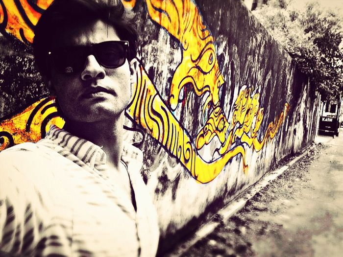 Graffiti Amazing Enjoying Life Selfie