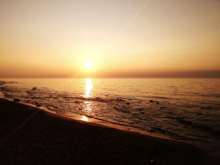 Sunset Sunlight Sunset_collection Horizon Over Water Beach Sky Sun Light Słońce Słonecznie Zachód Słońca Zachodslonca Zachod Slonca Summer Nature Zachód _słońca Bałtyk Baltyksea Baltyk