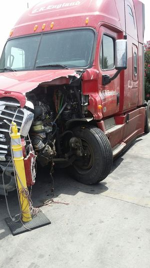 Ruh Roh Oops! Truck Trucking Life no this is NOT my truck ?