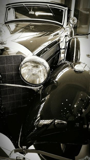 Super Retro Mercedes Benz Classic Car Blackandwhite Taking Photos Cars Black And White Friday Showroom Cars Front View