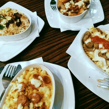 Eat, Talk, and Laugh. Togetherness JUNKFOOD Mac'n Cheese Mozarella Food And Drink Ready-to-eat Table Food Freshness Appetizer Food Stories