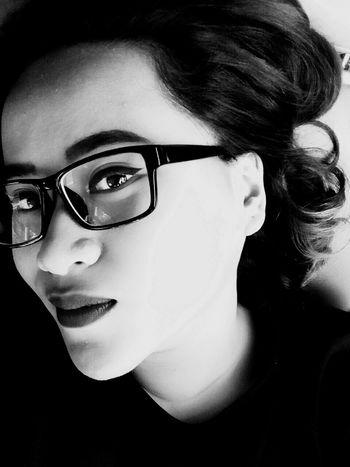 Lips Redlips Girl Asian  Indonesian Selfie Selfca Selfportrait Popular Photos Blackandwhite
