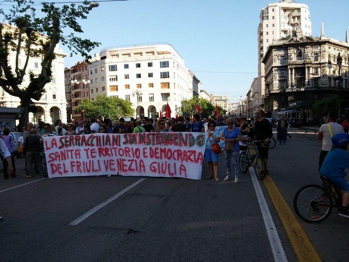 No Ferriera Trieste Trieste Peolple In The Street No Pollution